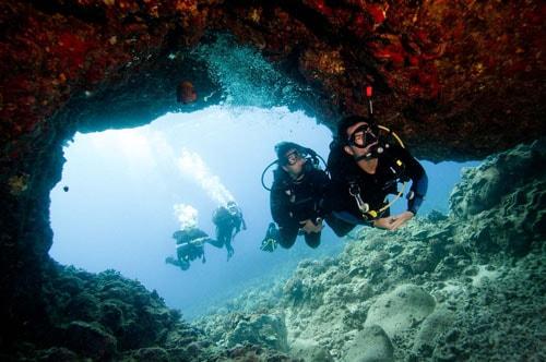 Malapascua Gato Cave