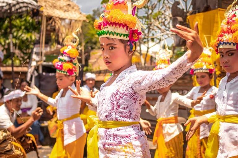 Traditional Philippines dress on Malapascua Island