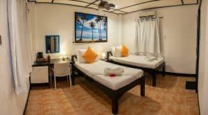 Twin bed Hippocampus resort Malapascua